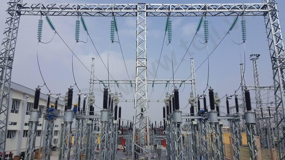 Đóng điện trạm biến áp 110kV nối cấp 220kV Long Biên
